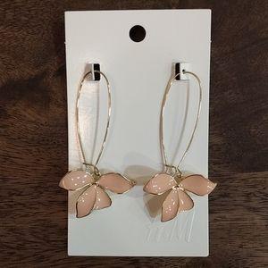 🍃 3/$30 // NWT H&M Pink Petal Dangly Earrings